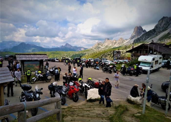 COL-COLLE-S.LUCIA-THE-ALPS-TOUR-Overland-motorcycle-tours.comR-2