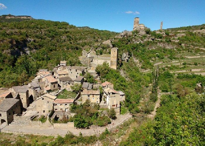 motorcycle-tour-spain_mountain-village